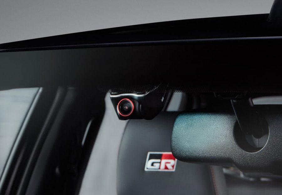 Toyota presenta las nuevas HILUX GRS II, PRADO SUMO y RAV4 XROAD 2