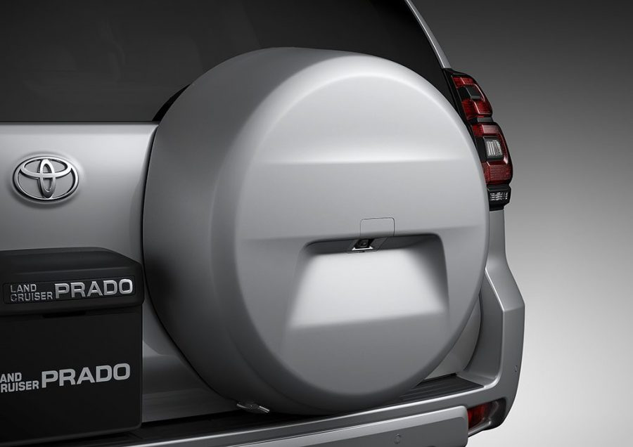 Toyota presenta las nuevas HILUX GRS II, PRADO SUMO y RAV4 XROAD 5