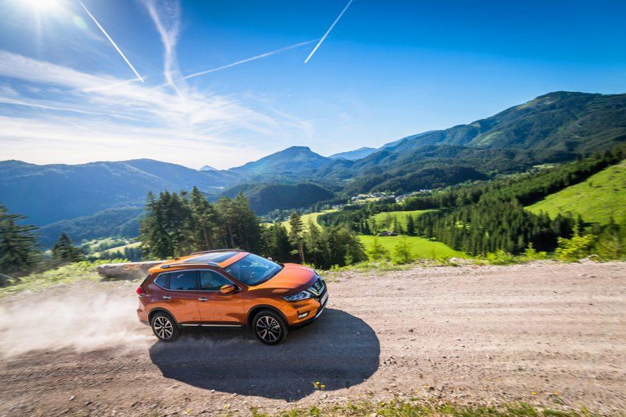 Nissan X-Trail: Insignia versátil