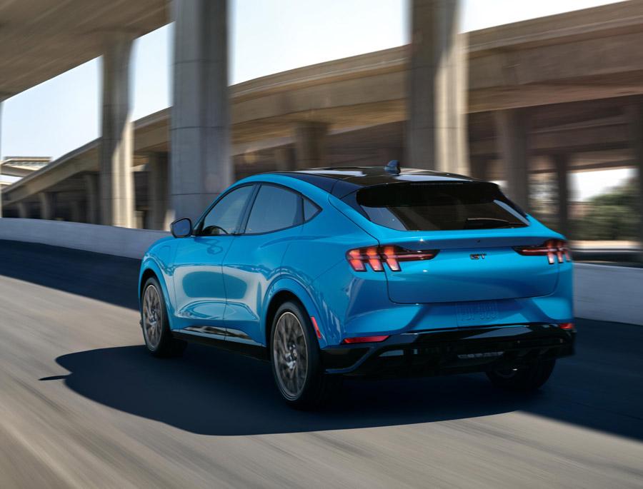 Mustang y Bronco serían sub-marcas de Ford 1