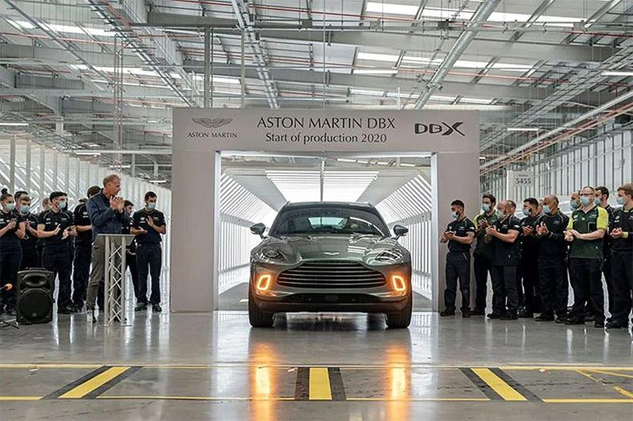 Salió el primer DBX de Aston Martin de la línea de producción 2
