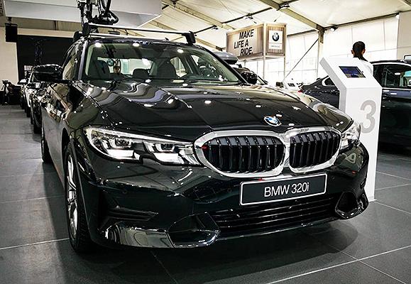 """Nuevo BMW Serie 3, ahora en versión 320i y llantas de rin 17"""" 6"""