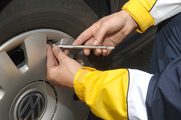 Puntos de revisión importantes del vehículo para viajar por carretera 1