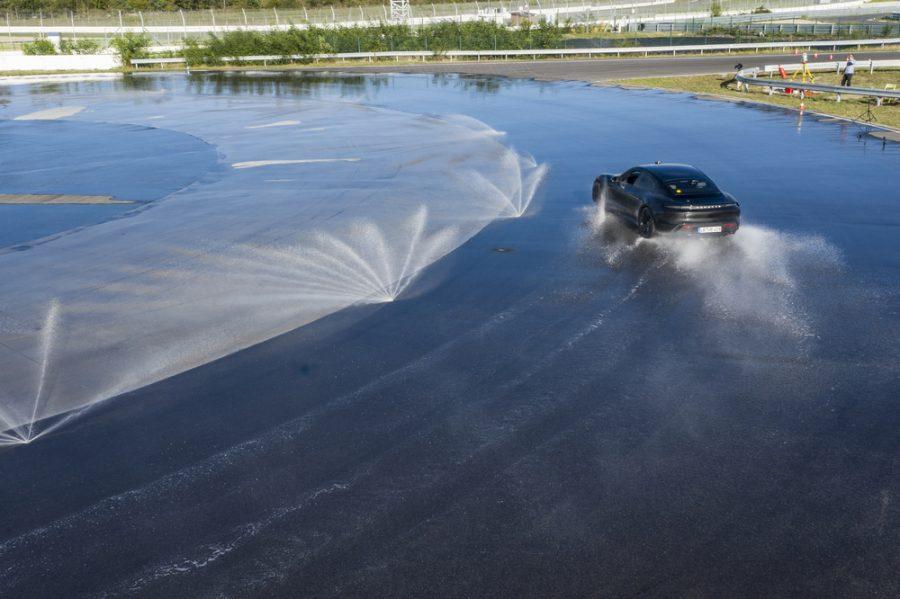 Guinness Record para el Porsche Taycan 3