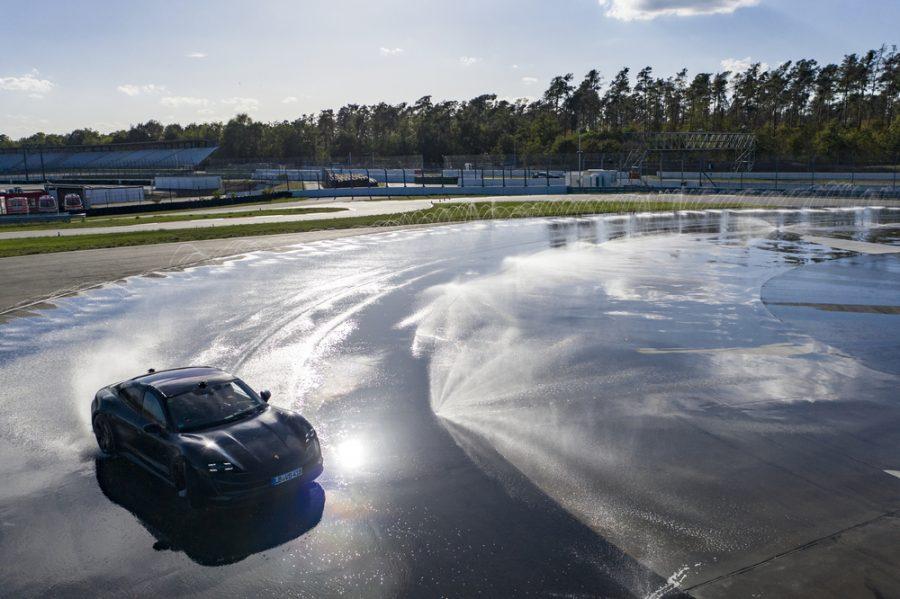Guinness Record para el Porsche Taycan 2