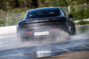 Guinness Record para el Porsche Taycan 8