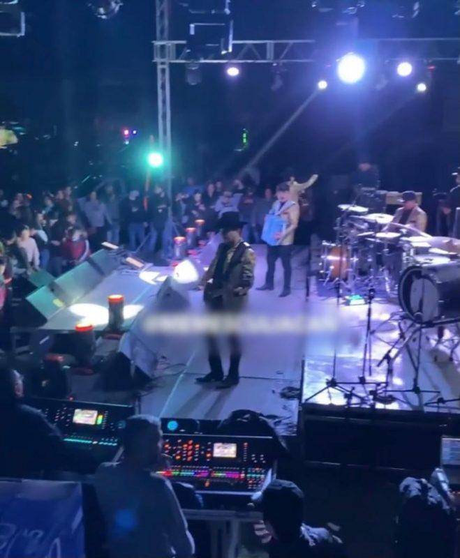"Regalan autos en fiesta de ""Chapitos"" 3"