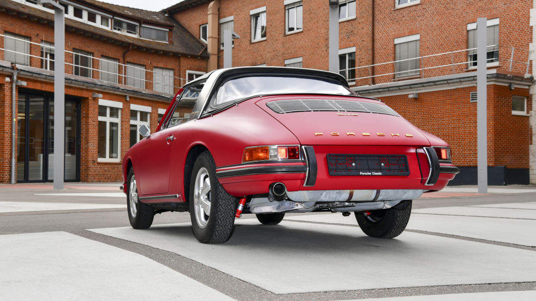 Revive un Porsche 911 S Targa 1966 5
