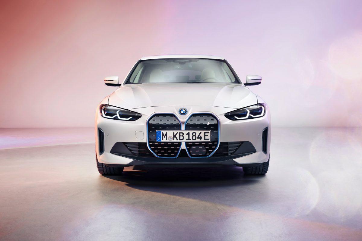 Sale a la luz el BMW i4 2