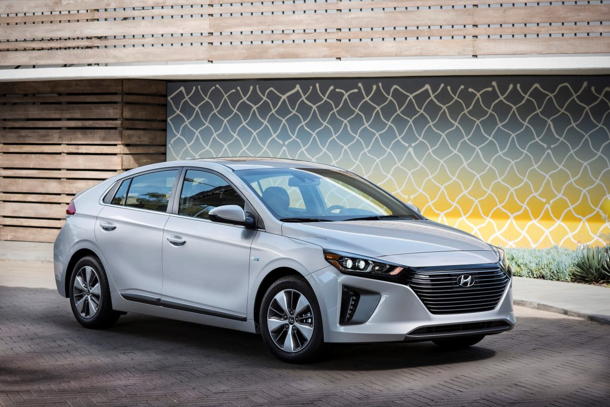 Hyundai recortará en combustión para invertir en eléctricos