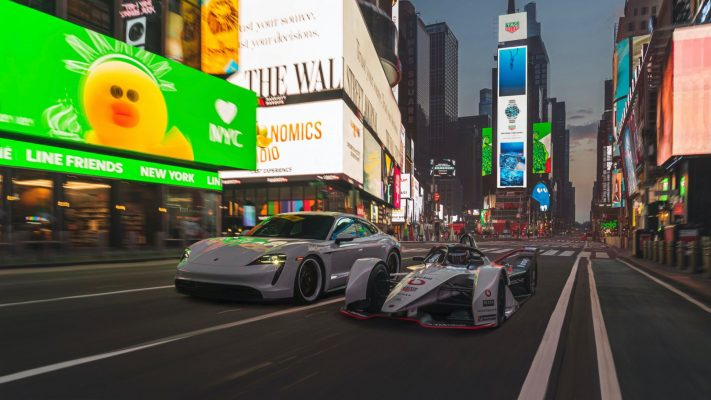 Porsche se luce en Times Square