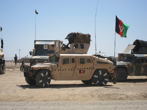 Vehículos trofeos de guerra en Afganistán