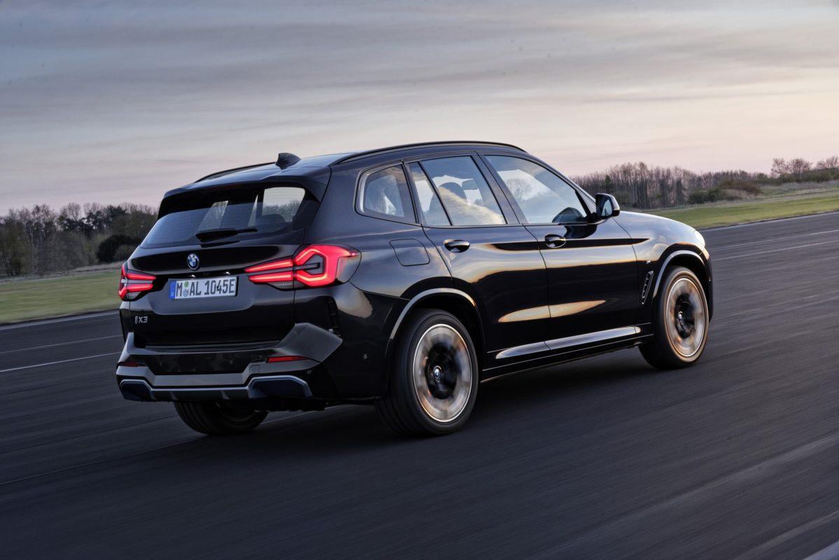 Primera renovación para el BMW iX3