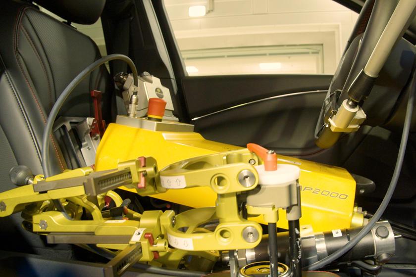Shelby y Miles los robots conductores de Ford