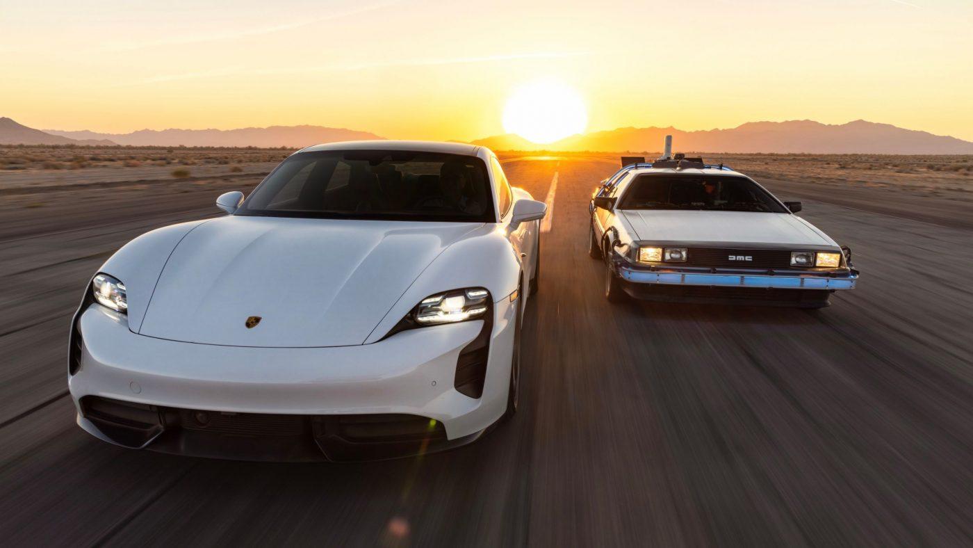 El Porsche Taycan tiene los gigavatios para 'Volver al Futuro'